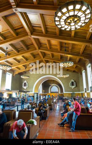 Los Angeles California CA LOS ANGELES. LA Nahverkehr öffentliche Verkehrsmittel Bahnhof Union Station Bahnhof Railroad - Stockfoto