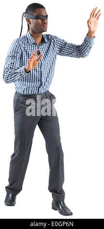 Mit verbundenen Augen Geschäftsmann mit Armen - Stockfoto
