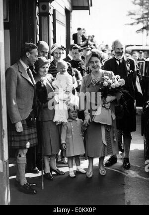 Mitglieder der königlichen Familie Windsor Ankunft in Balmoral - Stockfoto