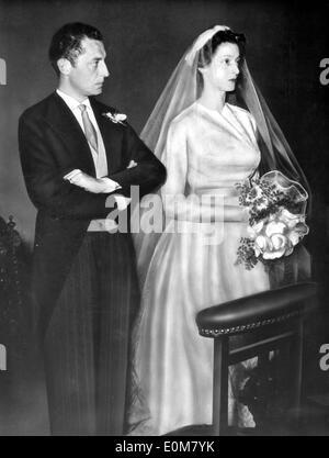 Gemälde von Gianni Agnelli und Marella Caracciolo heiraten - Stockfoto