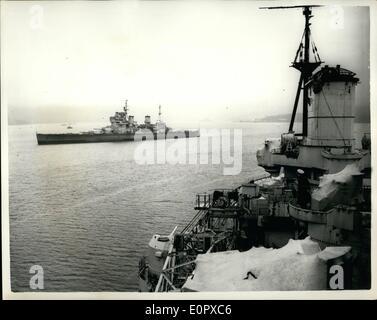 4. April 1957 - Schiffe der Royal Navy bereit für Breakers größte Veränderung jemals in militärische Politik Yard.: - Stockfoto
