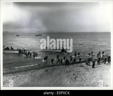 4. April 1957 - sechste Flotte US-Marines des zweiten Bataillons (Reimforced) machte einen Angriff Landung auf der - Stockfoto