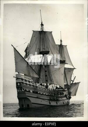 4. April 1957 - '' MayFlower II'' verlässt auf Atlantic Reise: '' Mayflower II'' Nachbau des Schiffes durch die - Stockfoto