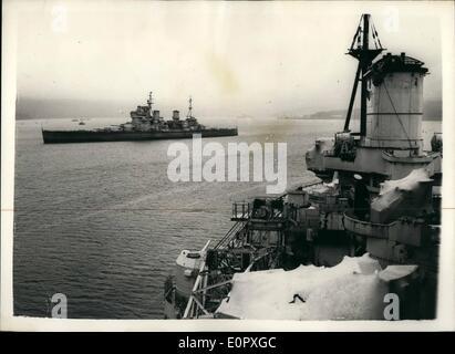4. April 1957 - Schiffe der Royal Navy - bereit für Breakers Yard... Größte jemals im Militär Politik ändern: viele - Stockfoto