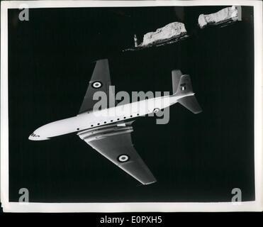 4. April 1957 - Flug Wight überfliegen mit Großbritannien; s Royal Air Force Transport Command ist die de Havilland - Stockfoto