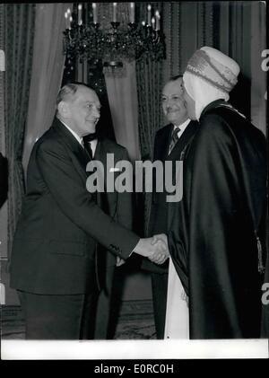 12. Dezember 1958 - die neue nationale Versammlung des Sprechers Assistenten erhalten im Elysee-Palast: Assistenten, - Stockfoto