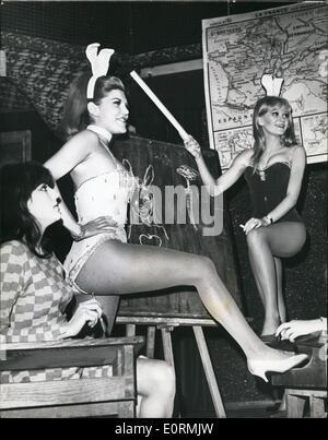 1. Januar 1960 - weißt du, wo die Hasen zur Schule gehen? : Nach einer Art und Weise sehr in Mode jenseits des Atlantiks - Stockfoto