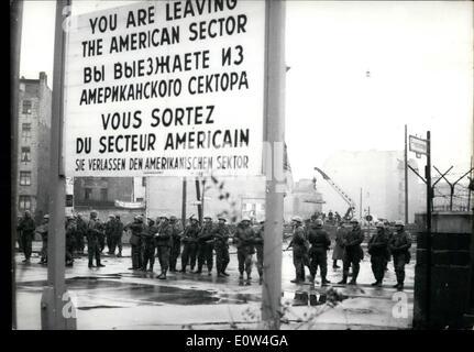 4. April 1961 - alle Berliner Sektor Grenze überquert reduziert auf 2,50 m.: heute in der Nacht und am frühen Morgen - Stockfoto
