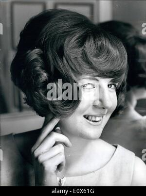 5. Mai 1965 - Cilla ändert ihr Haar Stil: Es sieht aus wie eine schlaflose Nacht in Rollen für Millionen von britische - Stockfoto