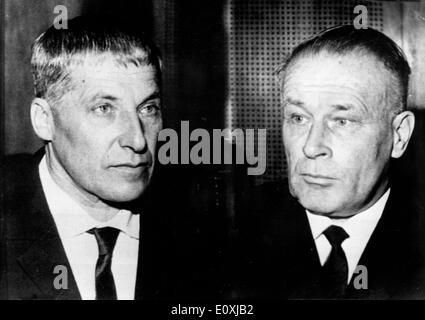 Wilhelm Zoepf und Dr. Wilhelm Harster während ihrer Testphase - Stockfoto