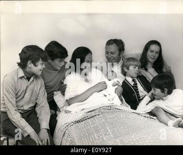 5. Mai 1969 - wird David Coleman Vater wieder zum sechsten Mal. Sport-Kommentator David Coleman wurde Vater wieder - Stockfoto