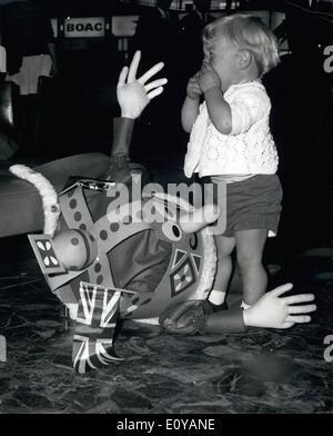 7. Juli 1969 - A König bittet, Go To The Moon: Ethelbert, will die Marionette König von Thames Television '' Natty - Stockfoto