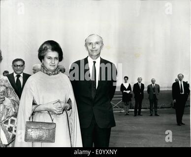 10. Oktober 1971 - Mrs Gandhi kommt In London: Frau Indira Gandhi, der Premierminister von Indien, ist heute in - Stockfoto