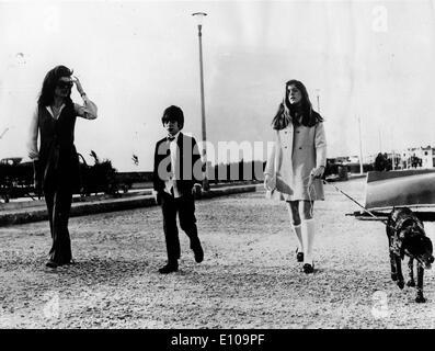 Jackie Kennedy und Kinder auf Insel - Stockfoto