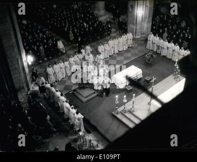 26. März 1970 - in Notre-Dame erneuern 200 Priester ihre Gelübde des Zölibats. - Stockfoto