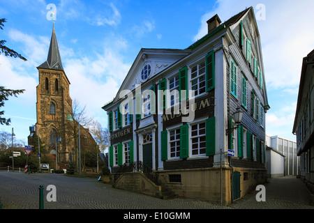 Deutsches Röntgen-Museum Und Katholische Pfarrkirche St. Bonaventura in Remscheid-Lennep, Bergisches Land, Nordrhein - Stockfoto