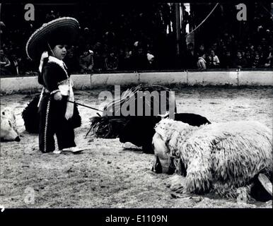 11. November 1974 - zerfleischen junge Tiger junges Mädchen; Schrecklichen Vorfall in der Schweizer national-Circus - Stockfoto