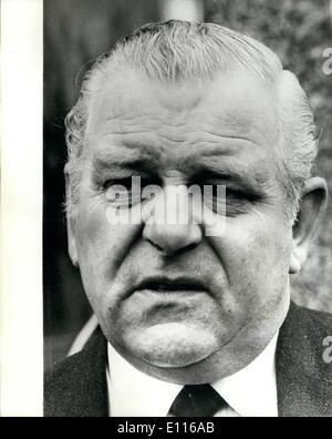 2. Februar 1976 - Hof Chiefs verhaftet: Vier ehemaliger Top Scotland Yard Detektiv verhaftet früh heute nach Forderungen, - Stockfoto