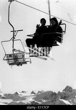 Prinz Charles auf Ski-Urlaub mit Frau - Stockfoto