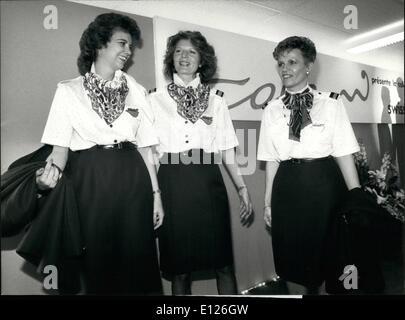 2. Februar 1990 - neue OUTFIT für die SWISSAIR W der bekannten Schweizer Stylistin Luigi Colani Ated einen neuen - Stockfoto