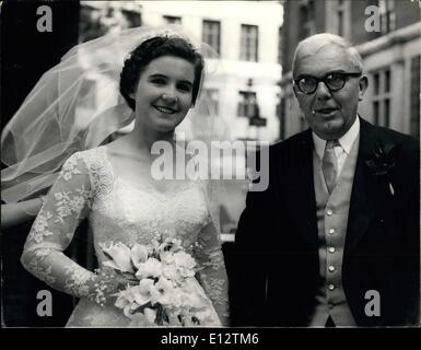 """24. Februar 2012 - Mi Dr. Charles Hill-Tochter. Die Hochzeit fand heute im Queen """"Kapelle von Savoyen, zwischen - Stockfoto"""