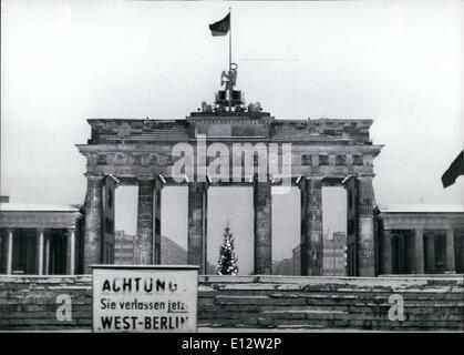 25. Februar 2012 - keine Weitergabe-Papiere für West-Berliner Einwohner: West-Berliner Einwohner nicht vorbei-Papiere - Stockfoto