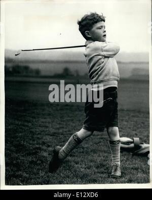 26. Februar 2012 - die vier Jahre alte Golfer.: Junge Nicholas Job zwar nur vier und eine Hälfte - er wird nächsten - Stockfoto