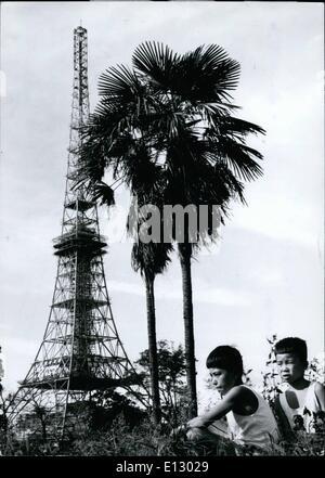 "25. Februar 2012 - östliche suchen Tokios ""Eiffelturm"". Obwohl Tokios neue 1,082 Fuß Fernsehturm wird ein Duplikat - Stockfoto"