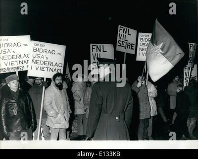 26. Februar 2012 - Demonstration gegen Hubert Humphrey.: einige wenige Jugendliche aus dänischen Links-Parteien - Stockfoto