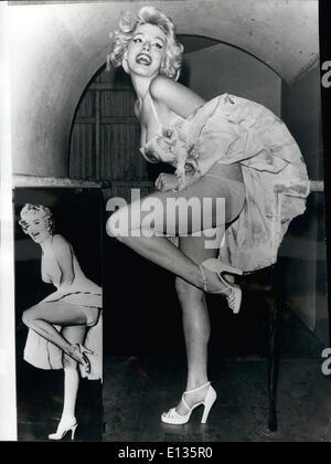 28. Februar 2012 - genau wie das Original: australische Schauspielerin Lynda Steinen seine verblüffend wie die berühmten - Stockfoto