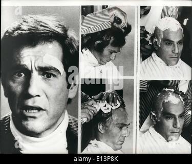 22. März 2012 - Off mit seinem Haar: langes Haar ist zumindest ist es für den Schauspieler George Segal. in seinem - Stockfoto