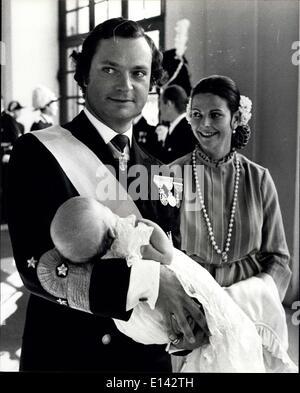 4. April 2012 - kommt Taufe von Prinzessin Viktoria der König und die Königin mit Prinzessin Viktoria beim Bankett - Stockfoto