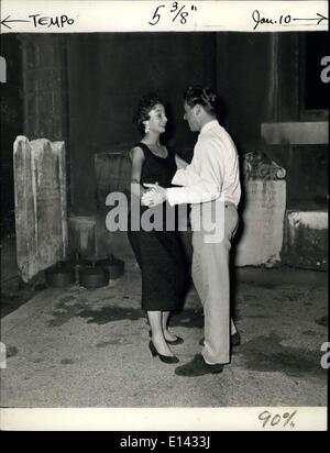 """4. April 2012 - Mambo Tänzer """"Mitte Hazlitt und der König der Norsica der Grabsteine. Es gibt wenig zu Tahiti Club - Stockfoto"""