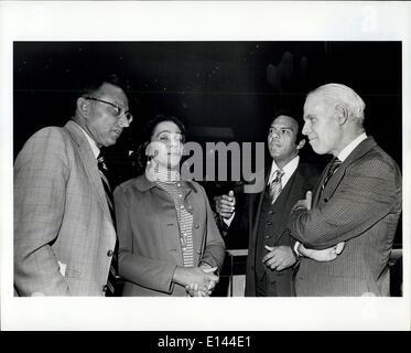 4. April 2012 - L-r: Al Lowenstein, Coretta Scott King, US-Amb. Andrew Young und Kleruskongregation Charles W. Whalen - Stockfoto