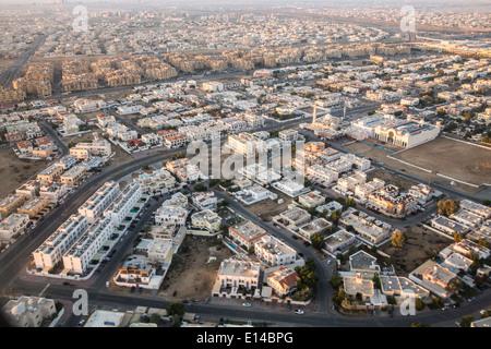 Vereinigte Arabische Emirate, Dubai, Vororte. Luftbild - Stockfoto