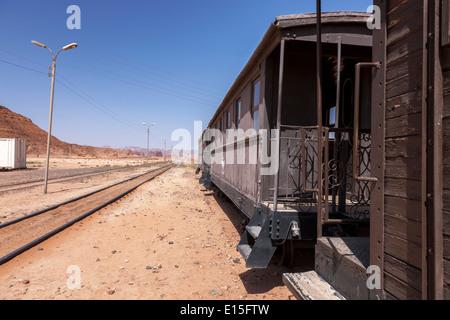 Hedschas Eisenbahn Lokomotive in Wadi Rum Station, Aqaba, Jordanien. - Stockfoto