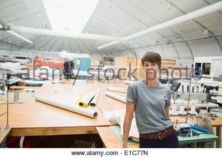 Porträt von Ernst Arbeiter in textilen Pflanze - Stockfoto