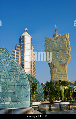 China, Macau, die Skyline der Stadt mit Grand Lisboa Hotel & Casino - Stockfoto