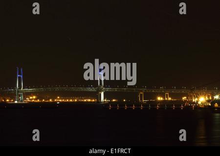 Die Stadt Yokohama in Japan in der Nacht - Stockfoto