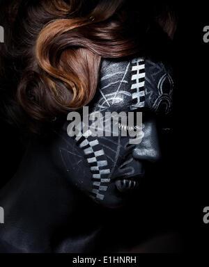 Ethnische traditionelle afrikanische Maske. Kunst und ...