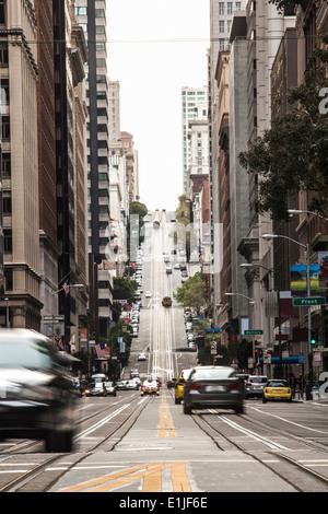 Verkehr auf Straße, Stadt San Francisco, Kalifornien, USA - Stockfoto