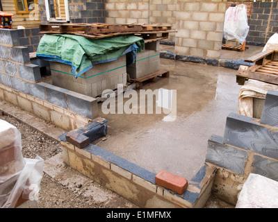 selbstbauhaus selbstbau haus wande aus thermalite und 10 newton betonsteinen gebaut stockfoto keilen erfahrungen