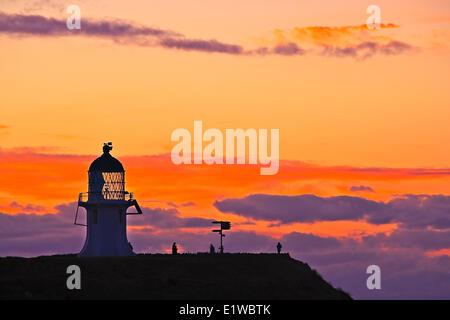 Sonnenuntergang am Cape Reinga und Leuchtturm von Cape Reinga, Northland, Nordinsel, Neuseeland. - Stockfoto