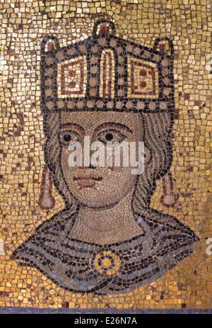 Fragment aus einem Mosaik von Innozenz III. der Apsis der Basilika von St. Peter im Vatikan, Barracco Museum, Rom - Stockfoto