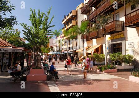 Spanien, Kanarische Inseln, Teneriffa, Puerto De La Cruz, Straße Cale Quintana - Stockfoto