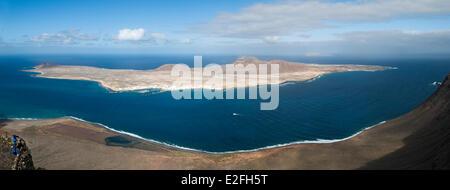 Spanien, Kanarische Inseln, Lanzarote Insel, Blick vom Mirador del Rio und mit Blick auf die Insel Graciosa - Stockfoto