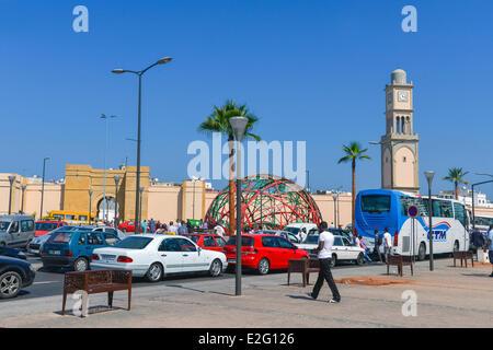 Marokko Casablanca Place Vereinigte Nationen Verkehr Fern-LKW-Fahrer um die Kugel Zevaco mit dem ehemaligen - Stockfoto