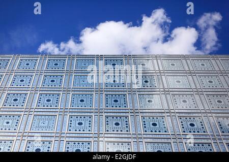Frankreich Paris Institut du Monde Arabe (Institut du Monde Arabe) durch Architekten Jean Nouvel et Architektur-Studio1 Detail des Moucharabiehs der Südfassade Stockfoto