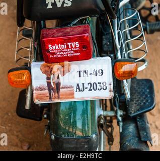 Indische Motorroller Nummernschild mit Elefanten Motiv, Indien - Stockfoto