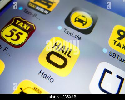 Detail des iPhone-Bildschirms mit Hailo app für die Buchung von taxis - Stockfoto